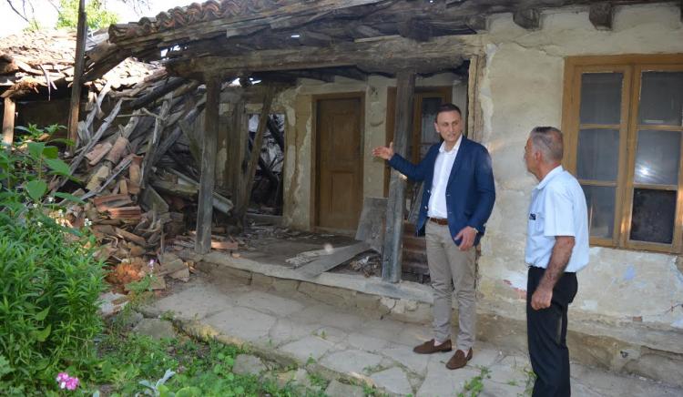 Валентин Ламбев: Спешно трябва да се осигурят средства за ремонт на килийното училище в Дебелец