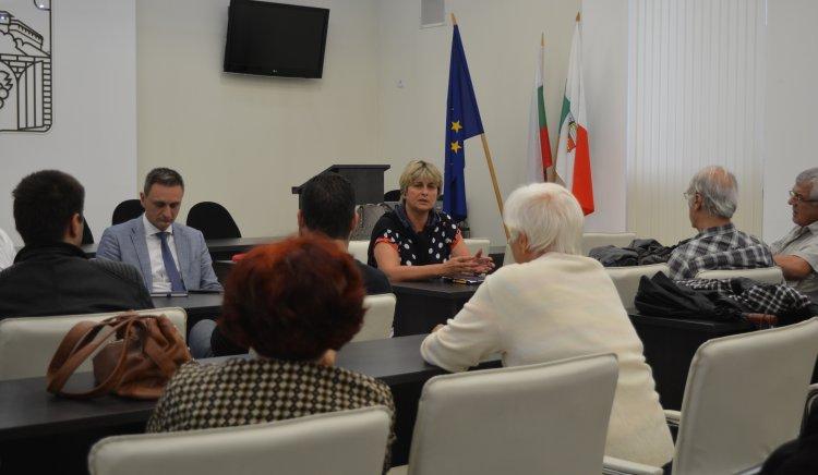 Весела Лечева: Тежкият проблем на България е изкривената социална политика