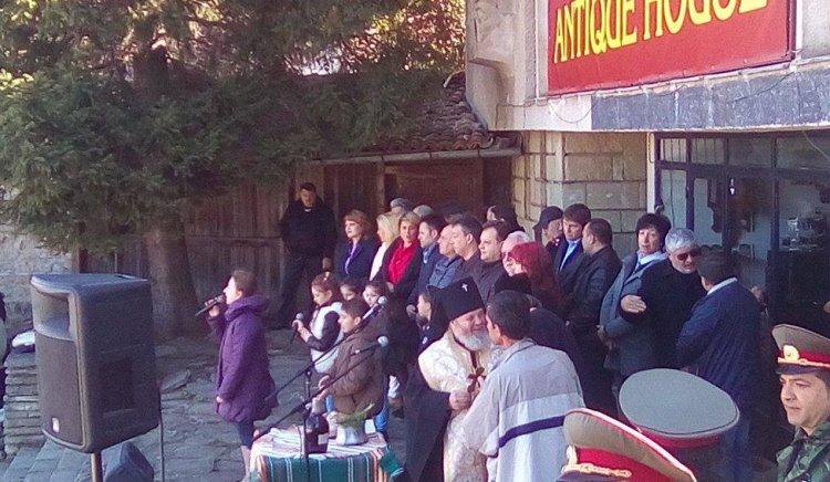 Весела Лечава  празнува  Тодоровден в Арбанаси