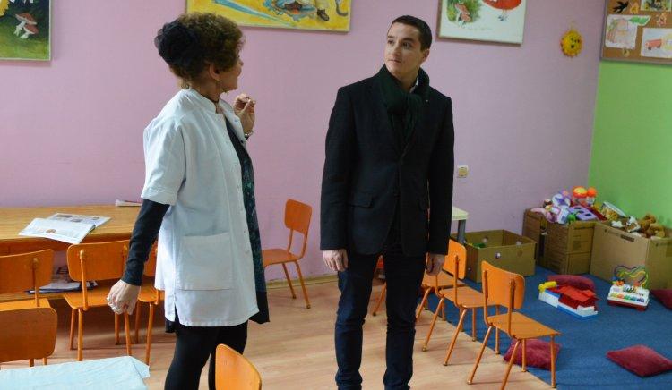 "Явор Божанков направи дарение на Детското отделение в МОБАЛ ""Д-р Ст. Черкезов"""