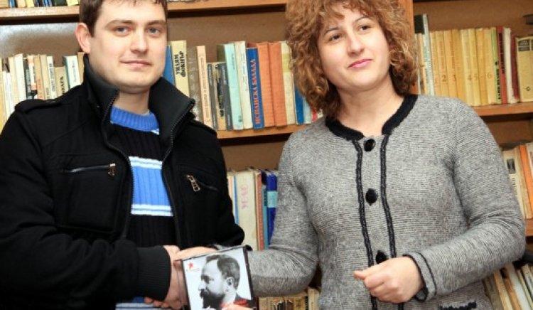 Младите социалисти от Свищов в помощ на незрящите