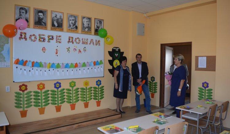 Народните представители от БСП-Велико Търново с приветствие по повод първия учебен ден